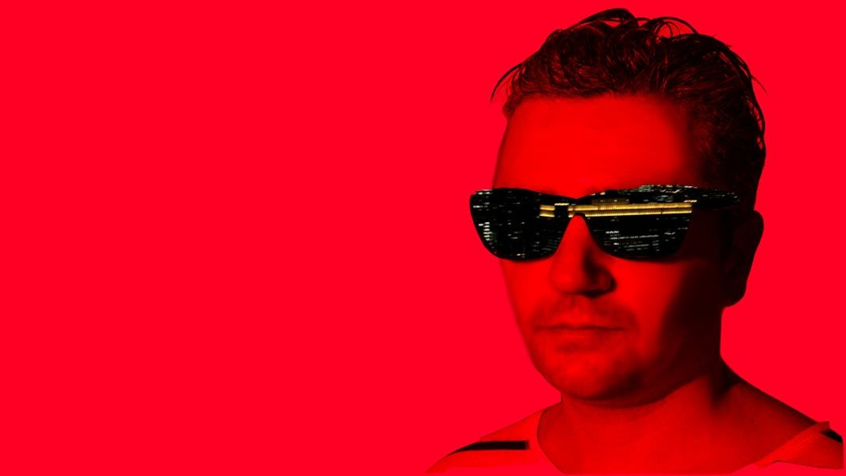 Julian Sanza delivered a great dark disco-infused guest mix