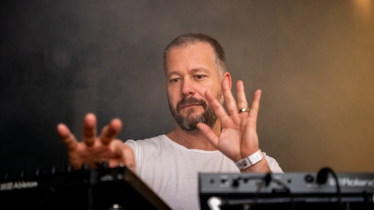 Sebastian Mullaert releases his album 'Natthall'