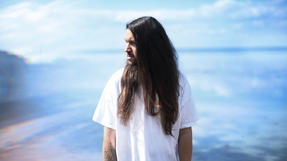 Etherwood explores a wholre range of genres on his new album Neon Dust.